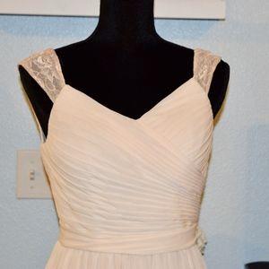 Dresses & Skirts - Like new Ivory Wedding Dress Sleeveless Lace SM